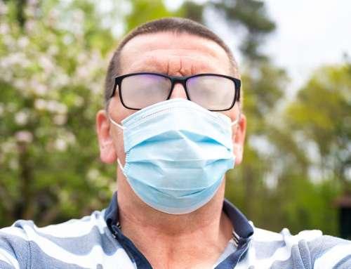 Das Leid der beschlagenen Brillen durch eine Mund- Nasenmaske